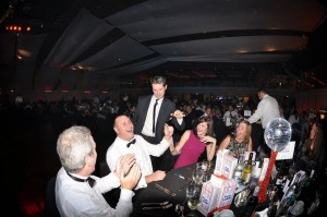 paul-lytton-magician-at-party